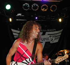 022_Brian_Young_shreds
