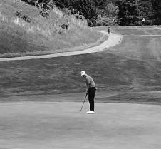 stensrud_esten_golfing_BW