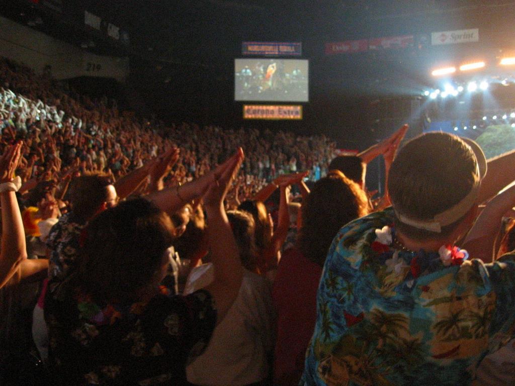 dotPhoto Album - kbjenkins - Buffett at MGM Grand Garden Arena in ...